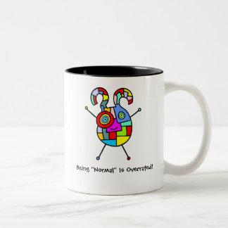 Normal sobrestimado (personalizable) taza de café de dos colores