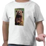 North America, California, cinnamon Black bear Tshirts