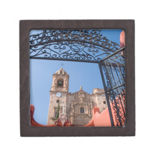 North America, Mexico, Guanajuato State. The Keepsake Box