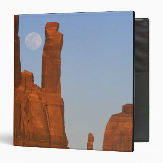 North America, U.S.A., Utah, Monument Valley, 2 3 Ring Binder