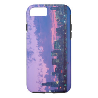 North America, USA, IL. Chicago skyline at dusk iPhone 8/7 Case