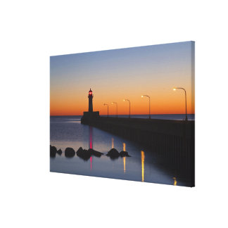 North pier Lighthouse in Duluth, Minnesota, Canvas Print