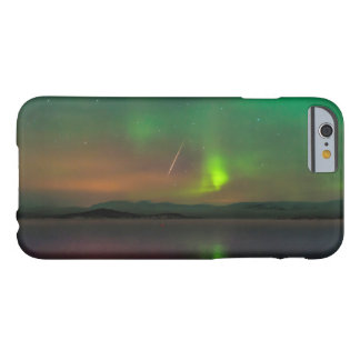 Northern Lights and a Geminid Meteor Barely There iPhone 6 Case
