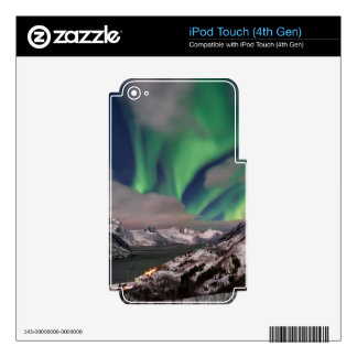 northern lights over winter landscape skin for iPod touch 4G