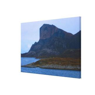 Noruega Bergen acantilados rocosos en la entrada Impresión En Lona