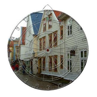 Noruega Bergen casas de madera y adoquines Tablero Dardos