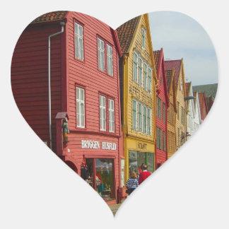 Noruega, Bergen, casas pintadas en la costa Pegatinas De Corazon