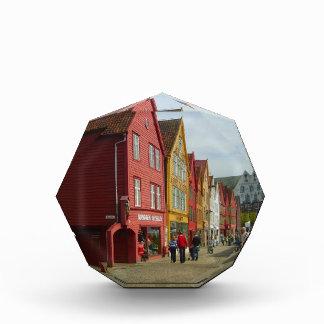 Noruega Bergen casas pintadas en la costa
