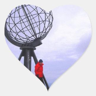 Noruega, cabo del norte, símbolo del globo calcomanías corazones