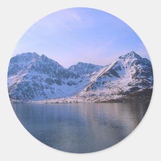 Noruega, entrada a un fiordo pegatina redonda
