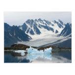 Noruega, glaciar del retroceso e iceberg postales