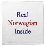 Noruego real dentro servilleta de papel