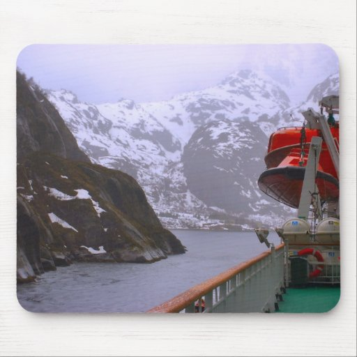 Norway, Cruising the Norwegian coast Mouse Pad
