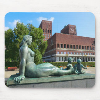 Norway,  Oslo, Statues and City Hall Mouse Pad