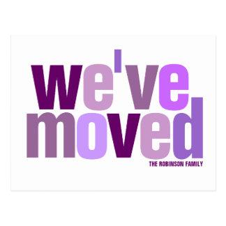 Nos hemos movido (las tonalidades púrpuras) postal