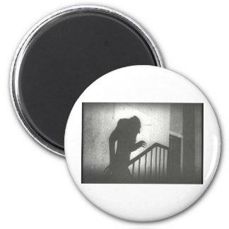 Nosferatu que se arrastra las escaleras imanes