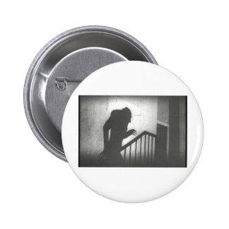 Nosferatu que se arrastra las escaleras pin