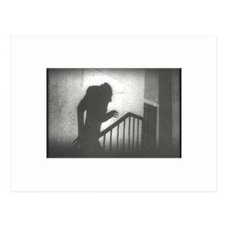 Nosferatu que se arrastra las escaleras tarjetas postales