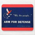 Nosotros el brazo de la gente para la defensa tapete de ratón