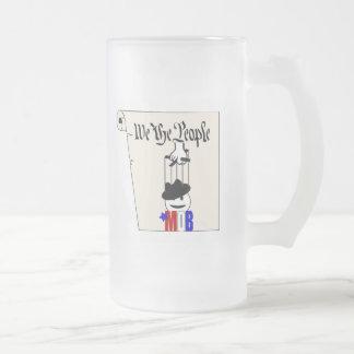 Nosotros la taza de cerveza de la constitución de