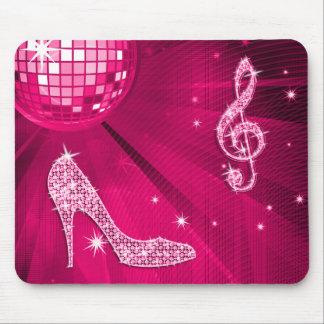 Nota y tacón de aguja brillantes de la música de tapete de ratones