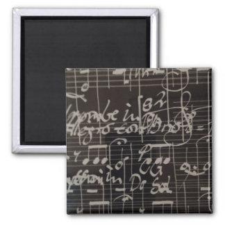 notación de música blanca en fondo negro imán cuadrado