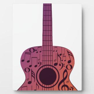 Notas 2 de la guitarra y de la música placas para mostrar
