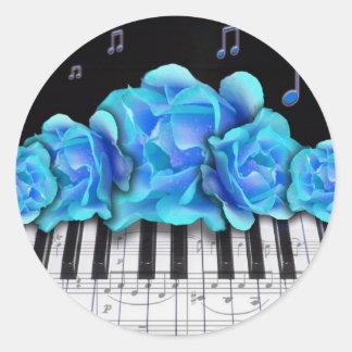 Notas azules del teclado y de la música de piano pegatina redonda