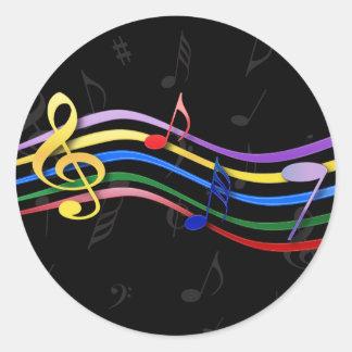 Notas coloreadas arco iris de la música etiquetas redondas