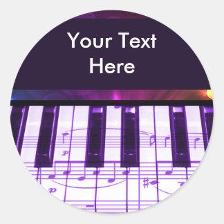 Notas coloridas del teclado y de la música de pian pegatinas redondas