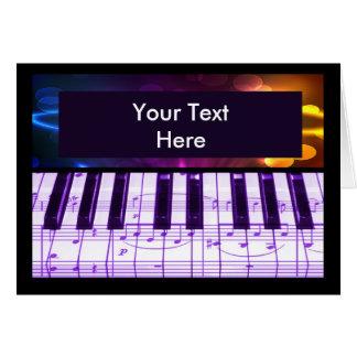 Notas coloridas del teclado y de la música de pian tarjeta de felicitación