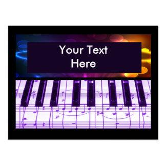 Notas coloridas del teclado y de la música de pian tarjetas postales