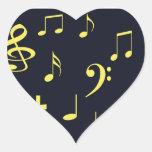 Notas de la música - amarillo en negro pegatina en forma de corazón