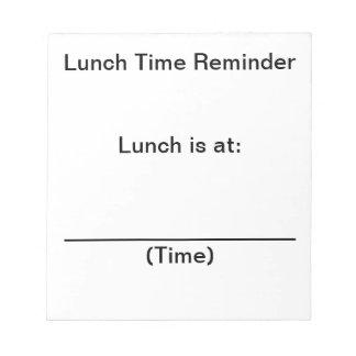 Notas del recordatorio del tiempo del almuerzo par libreta para notas