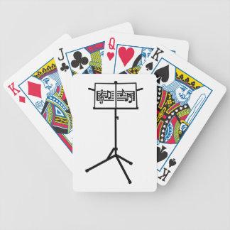 Notas del soporte de música baraja de cartas