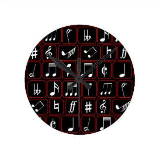 Notas geométricas blancos y negros rojas elegantes reloj redondo mediano