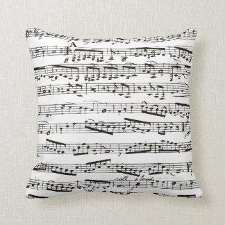 Notas musicales blancos y negros almohada