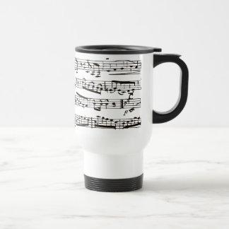 Notas musicales blancos y negros taza de café