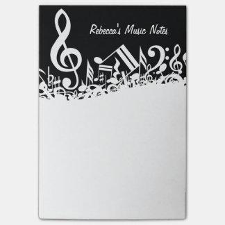 Notas musicales embarulladas blancas notas post-it®