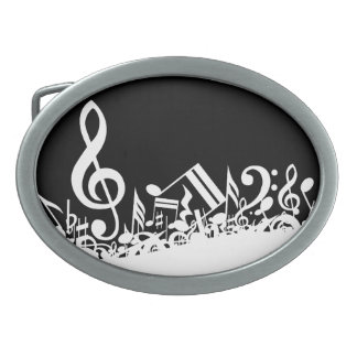 Notas musicales embarulladas blancas sobre negro hebillas de cinturón ovales