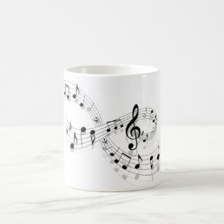 Notas musicales sobre una línea de personal taza