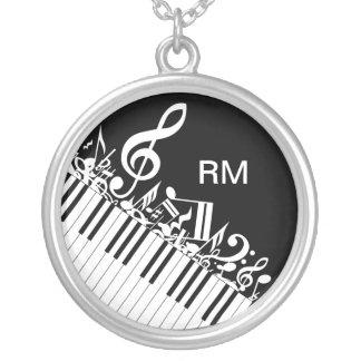 Notas musicales y llaves embarulladas colgante redondo