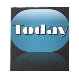 Notas pegajosas de jueves del calendario del día l blocs de papel