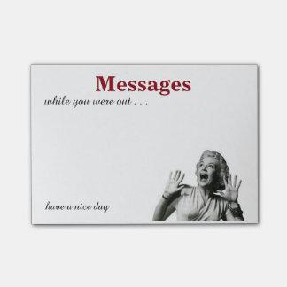 Notas pegajosas de los mensajes divertidos del post-it® notas