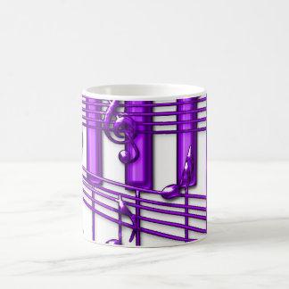 Notas púrpuras de la música del teclado de piano taza básica blanca
