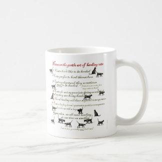 Notas sobre el arte apacible de reunir gatos tazas de café