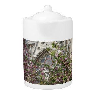 Notre Dame spring Teapot