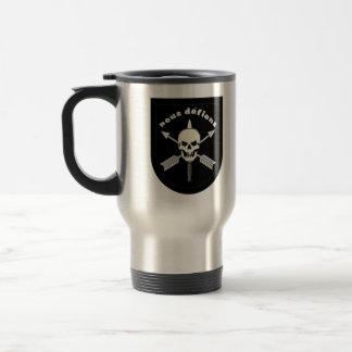 nous defions travel mug