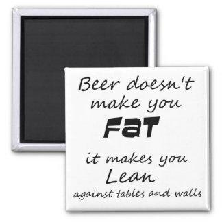 Novedad divertida del chiste de la cerveza de los imanes