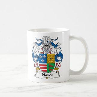 Noves Family Crest Mugs